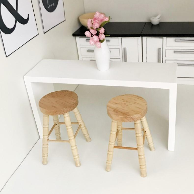 modern dollhouse kitchen, modern dolls house kitchen, dollhouse bar stool, modern stool for dolls house, modern dollhouse stool, breakfast bar for dollhouse, dolls house breakfast bar, DIY dollhouse furniture