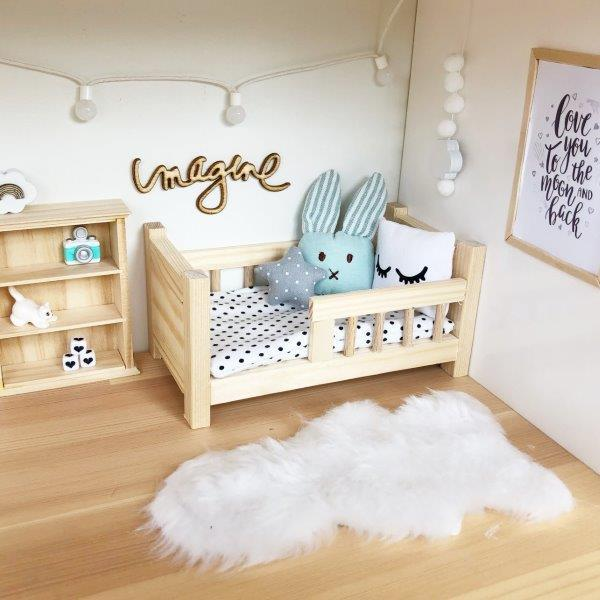 modern dollhouse rug, white faux fur rug, modern dollhouse furniture, modern dollhouse DIY ideas, modern dollhouse interior, dollhouse DIY furniture