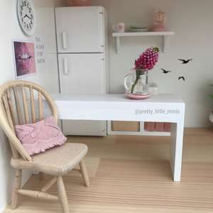 modern dollhouse chair, modern dollhouse furniture, modern dollhouse DIY ideas, modern dollhouse interior, dollhouse DIY furniture