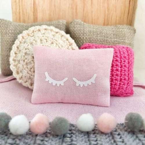Dollhouse crochet and how I do it. - PUGCENTRIC PURSUITS | 500x500