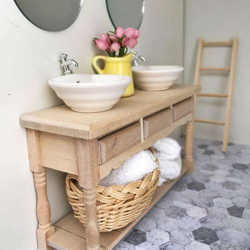 modern dollhouse furniture, DIY modern dollhouse furniture, modern dollhouse bathroom, modern dollhouse basket, modern dollhouse laundry, modern dolls house furniture, modern dollshouse furniture
