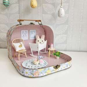 dollhouse suitcase, dollhouse room, christmas suitcase