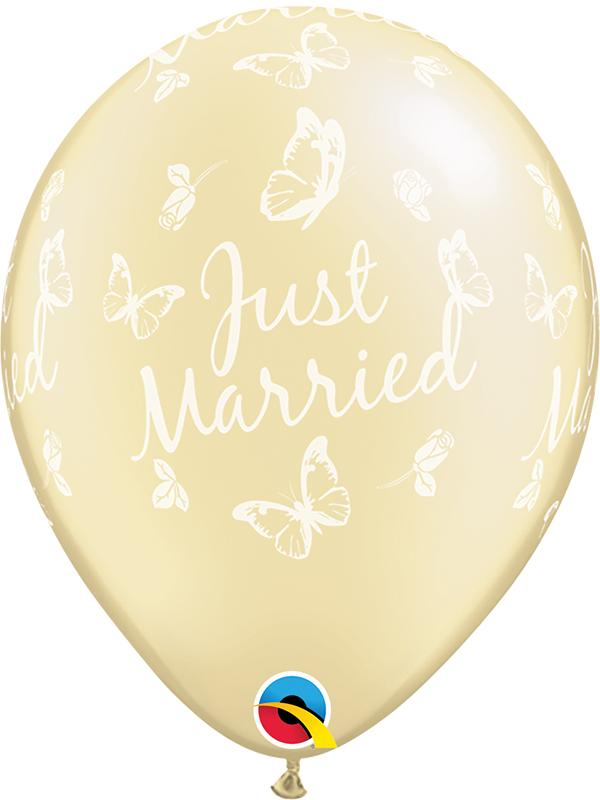 Latex Balloons Just Married Ivory