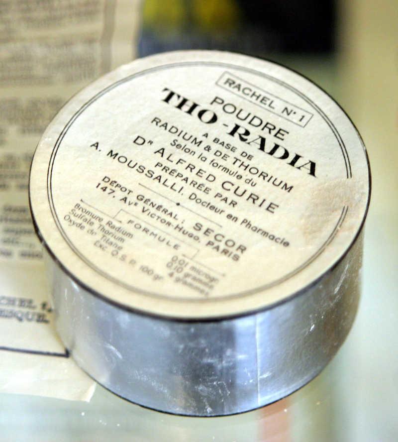 Tho-Radia powder box