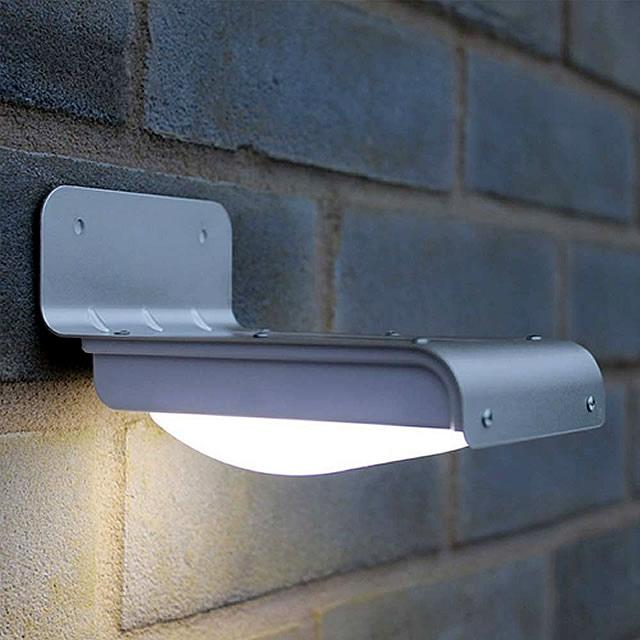 Curved Solar Centre Light