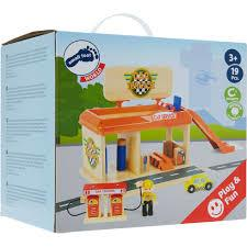 Small Foot Wooden Petrol Station Playset2