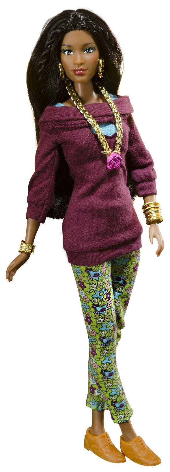 Dahlia ethnic doll in green leggings