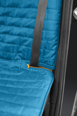 Kurgo Loft Bench Car Seat Cover For Dogs seatbelt detail