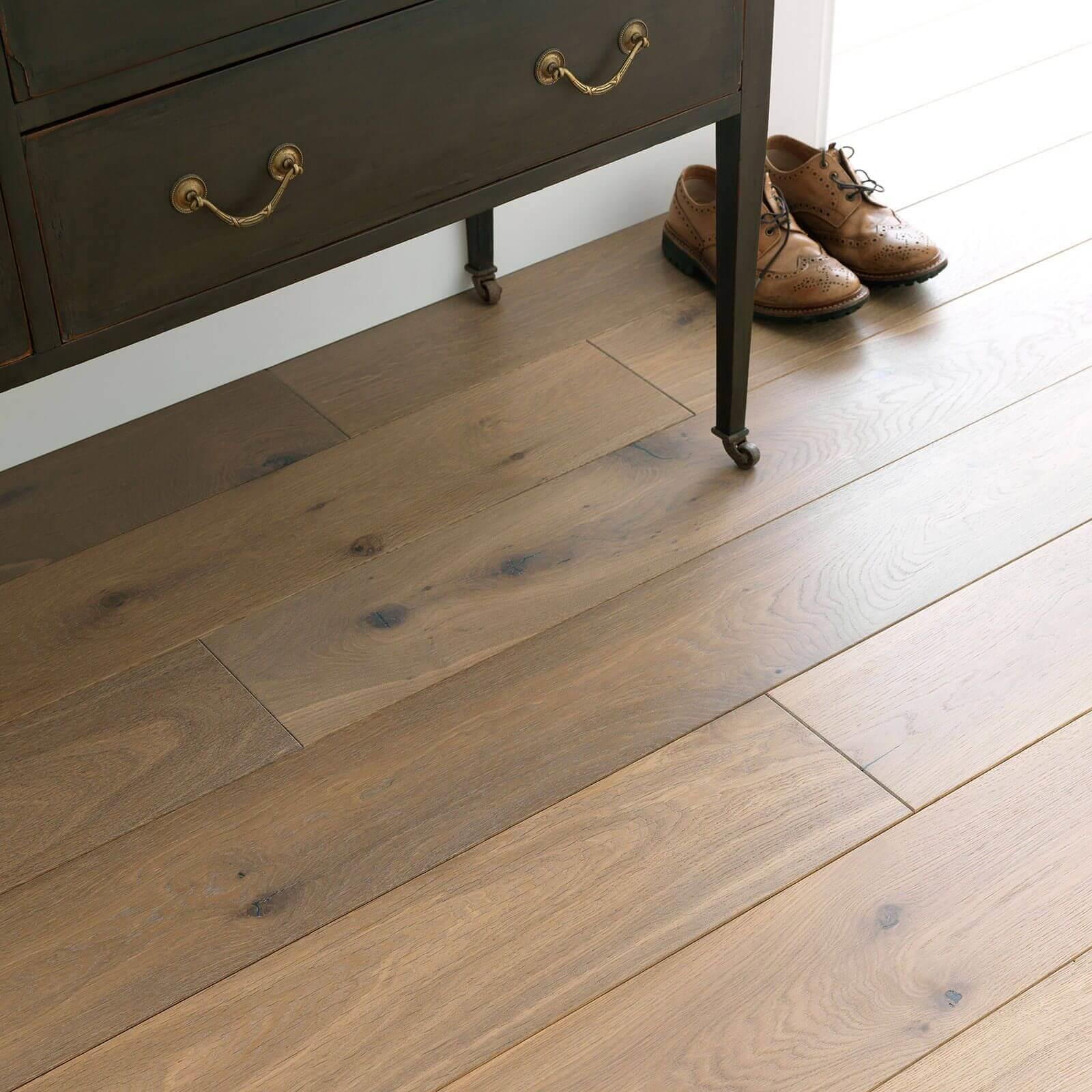 Woodpecker Chepstow Planed Washed Oak Hardwax Oiled Engineered Wood Flooring 189mm 65-RWA-001