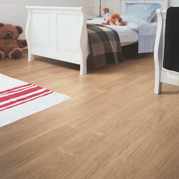Quick Step Eligna White Varnished Oak Planks EL915 Hydroseal Laminate Flooring