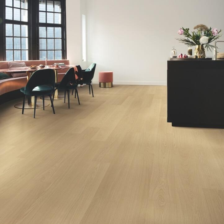 Quick-Step Signature Beige Varnished Oak SIG4750 Laminate Flooring