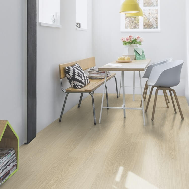 Quick Step Classic Victoria Oak Light CLM3185 Hydroseal Laminate Flooring