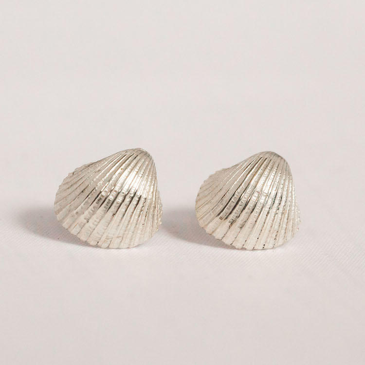 Cockle Shell Earring 1