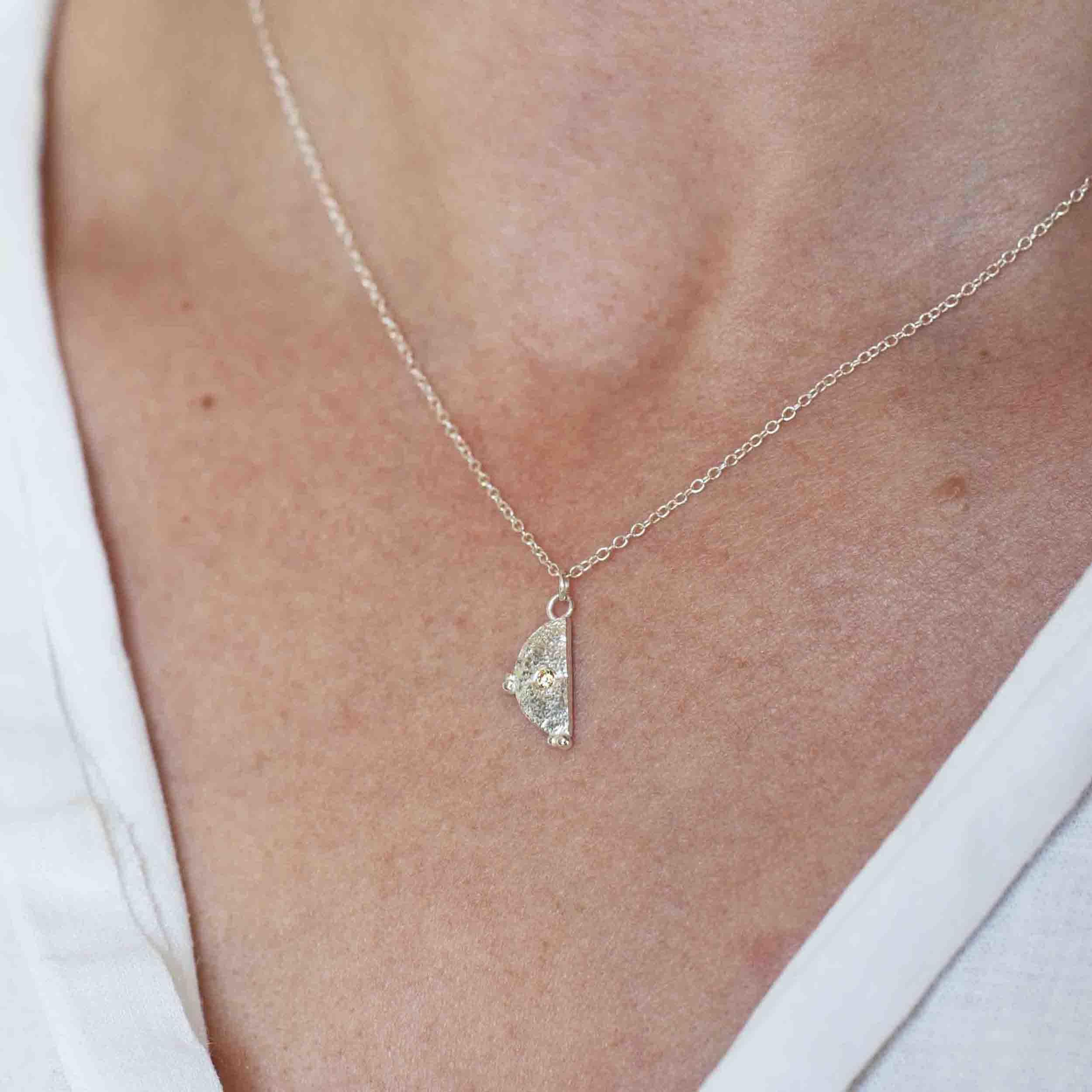 Hënë Moon pendant Champagne CZ - On