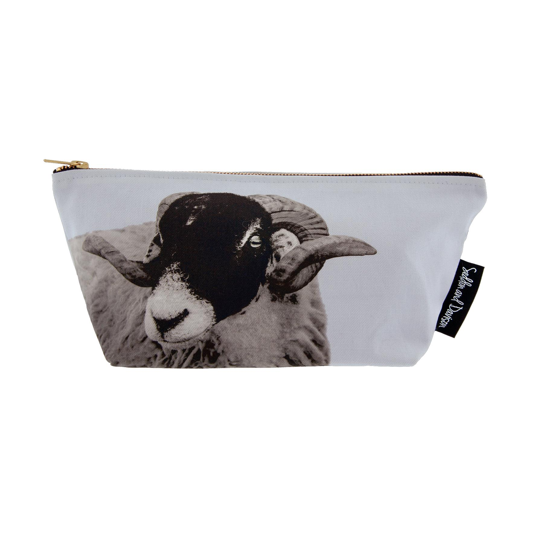 Swaledale Sheep Wash Bag on Pale Lavender