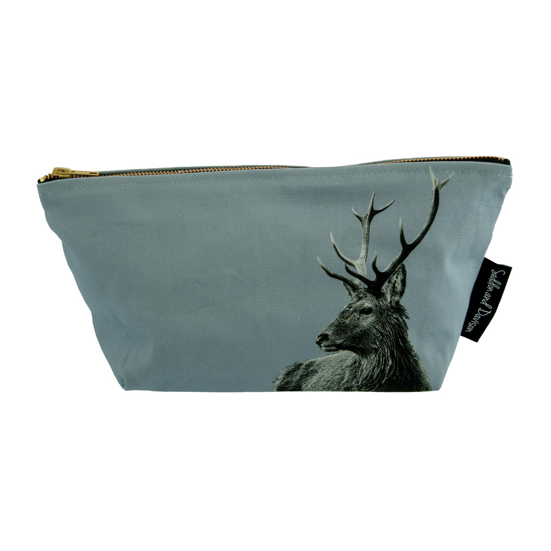 Highland Stag Wash Bag on Pale Grey