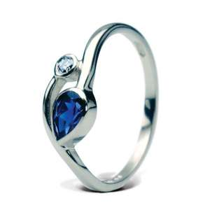 Sapphire and diamond ring 4040