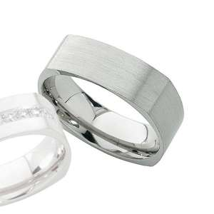 18ct white gold ring FJ47