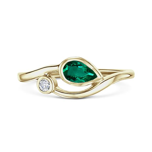 Emerald and yellow gold ring 5672