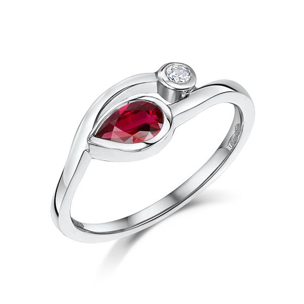 Ruby Platinum ring 4640