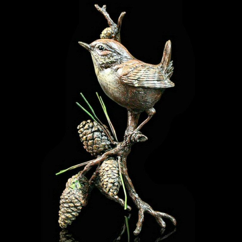 Wren with Pine Cones in presentation box (1045)