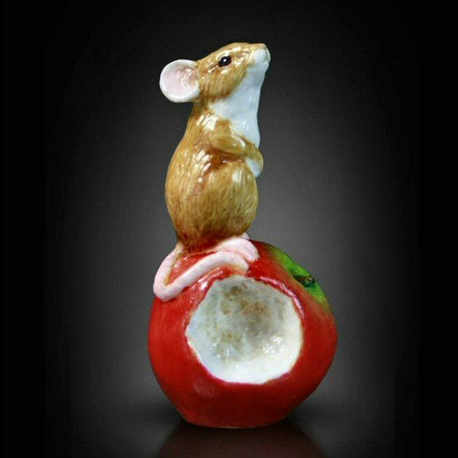 Mouse on Apple (117BC) - by Keith Sherwin
