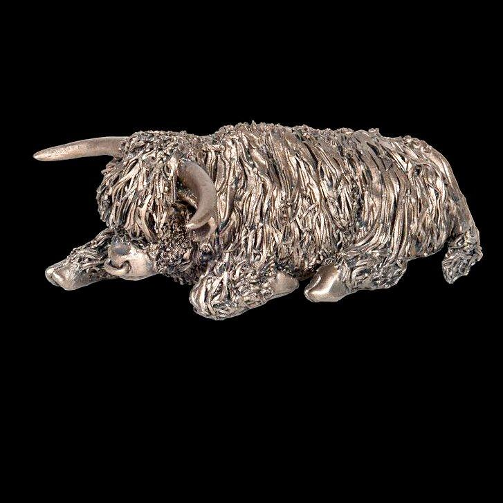 Highland Bull Sitting - medium (VB073) by Veronica Ballan