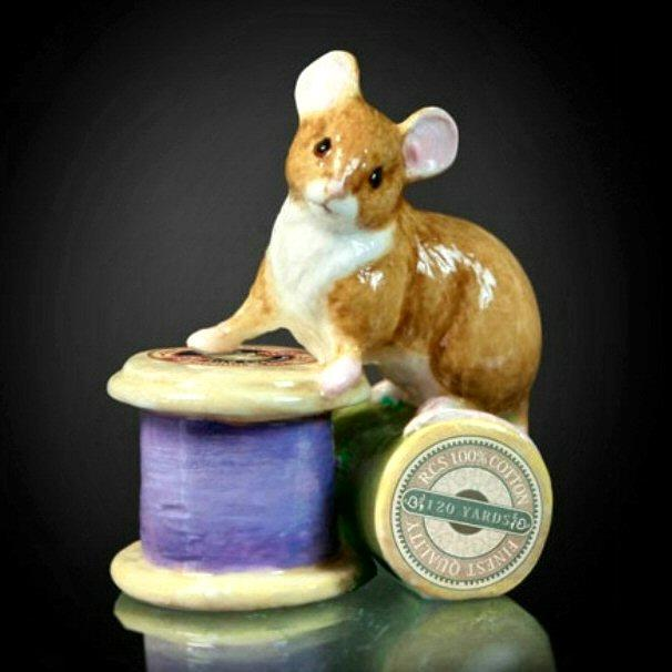 Mouse on Cotton Reel (123BC) - by Keith Sherwin