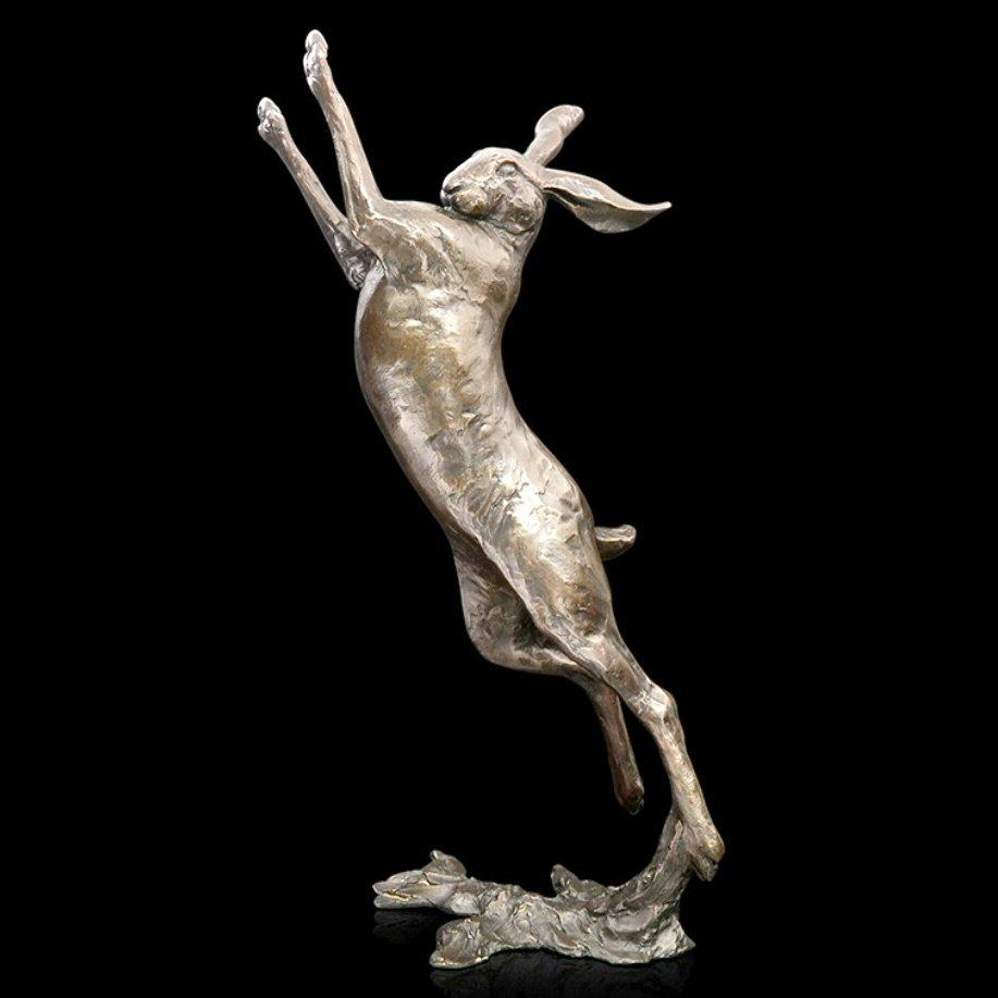 Large Hare Boxing (940) in bronze by Michael Simpson