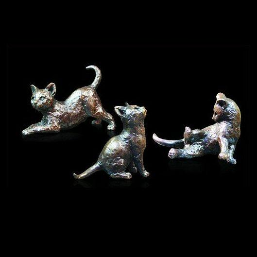 Three Little Kittens (738) in bronze by Michael Simpson