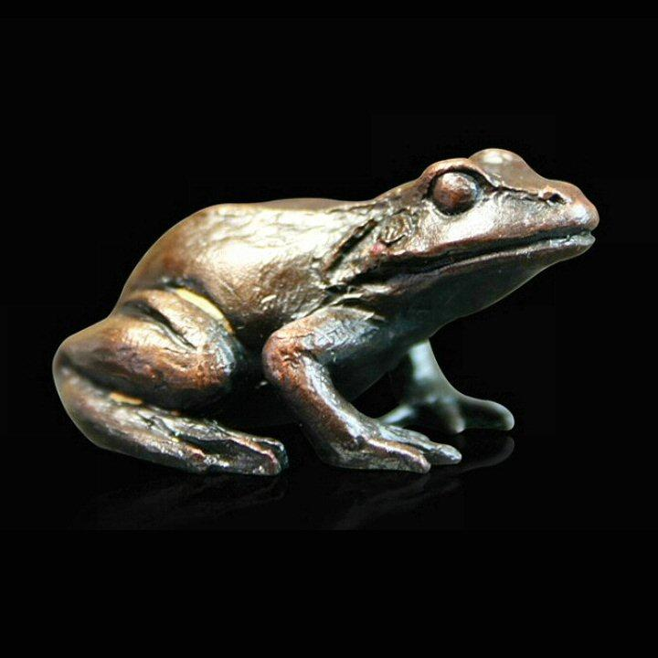 Baby Frog Sitting (933) - Bronze Sculpture by Keith Sherwin