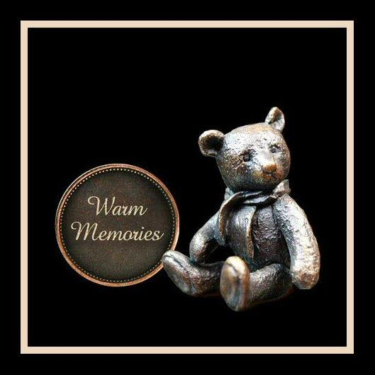 Warm Memories (3004) - Penny Bear range of bronze sculptures