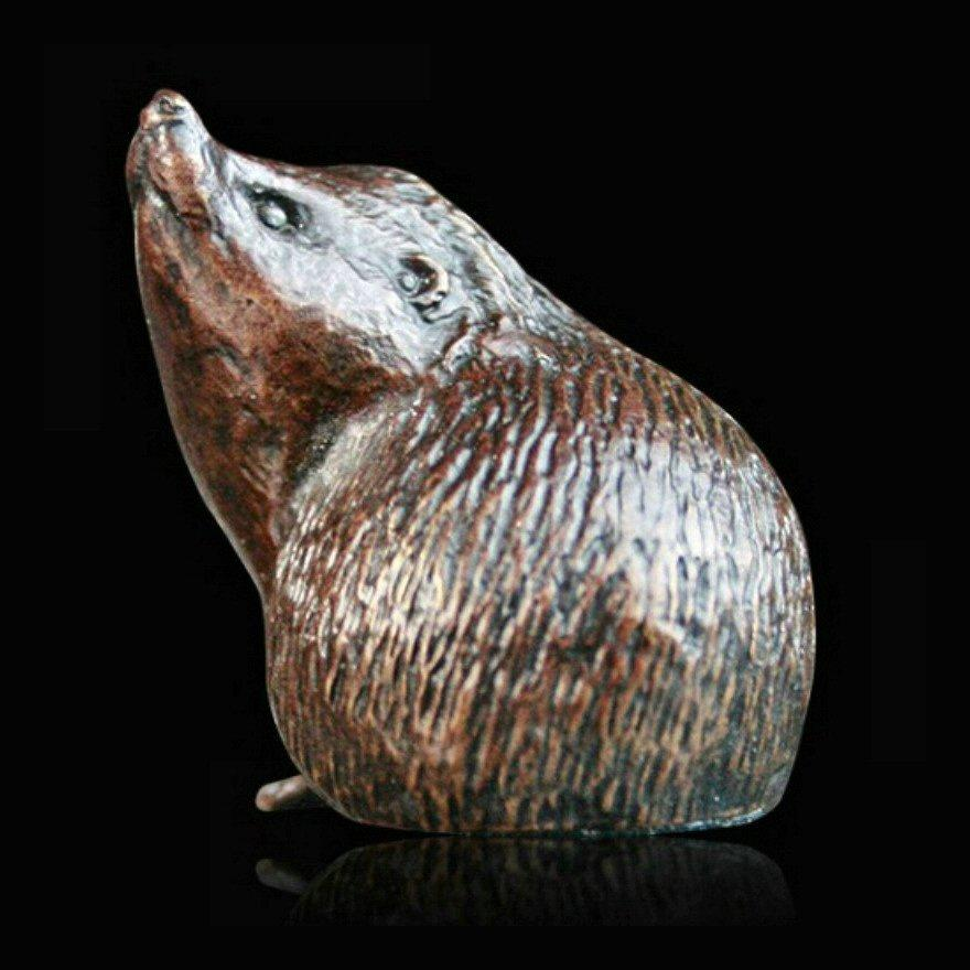 Small Hedgehog Alert (908) in bronze by Michael Simpson
