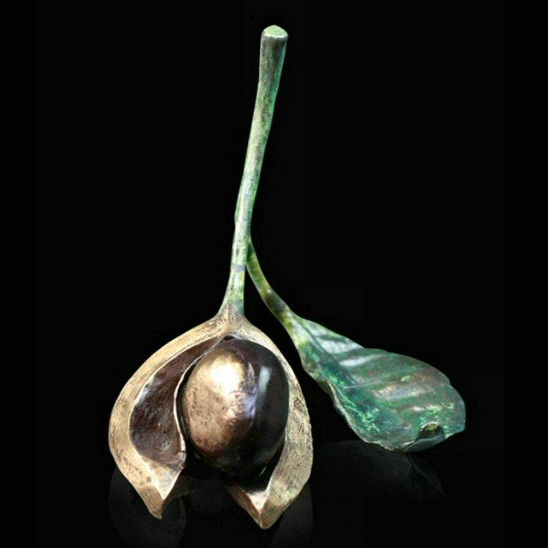 Conker with Leaf (778) in bronze by Michael Simpson