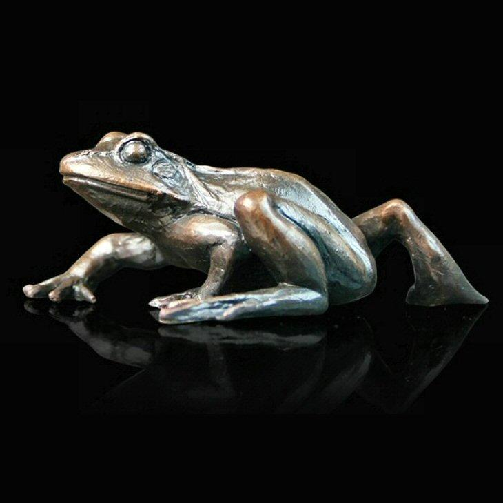 Small Frog Walking (931) - Bronze Sculpture by Keith Sherwin