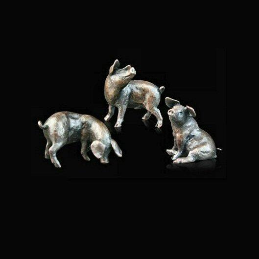 Three Little Pigs (776) in bronze by Michael Simpson