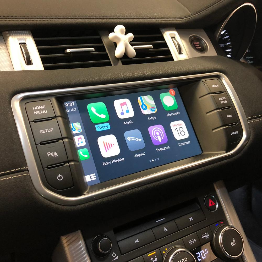 apple CarPlay land rover discovery