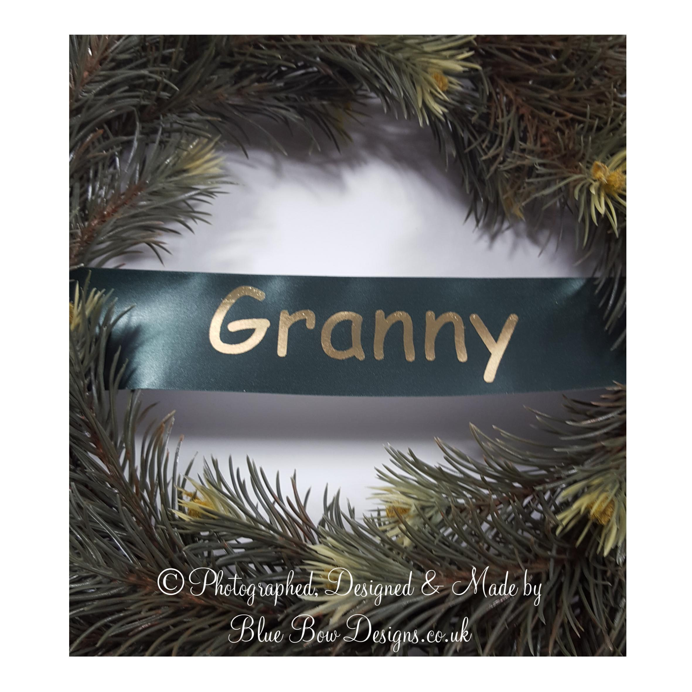 Granny wreath ribbon green and gold