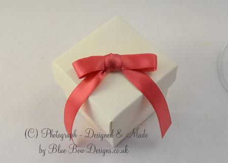 10 mm coral satin ribbon pre tied favour bow