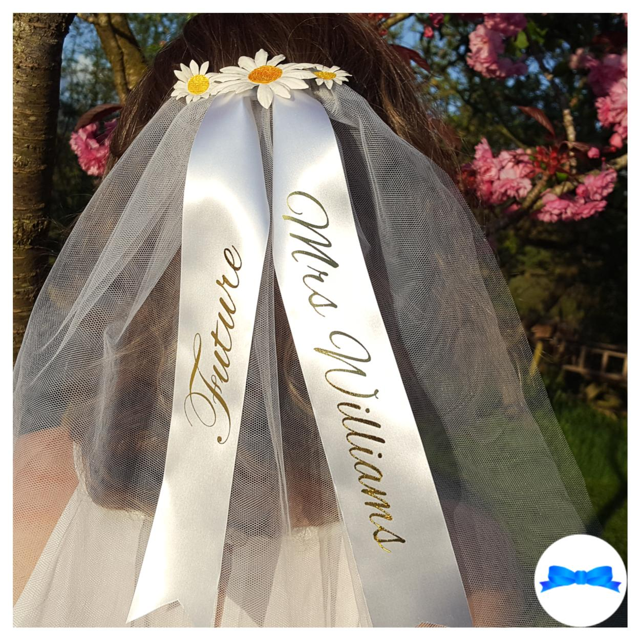 Daisy hen party veil with gold future Mrs text