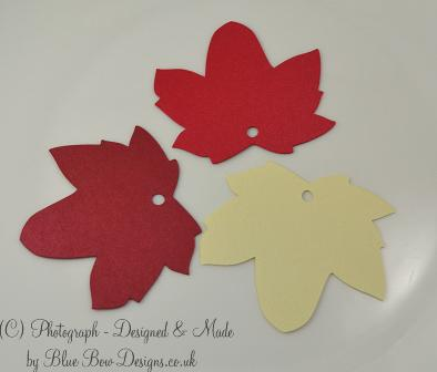 Sycamore leaf shaped tags for writing guest names