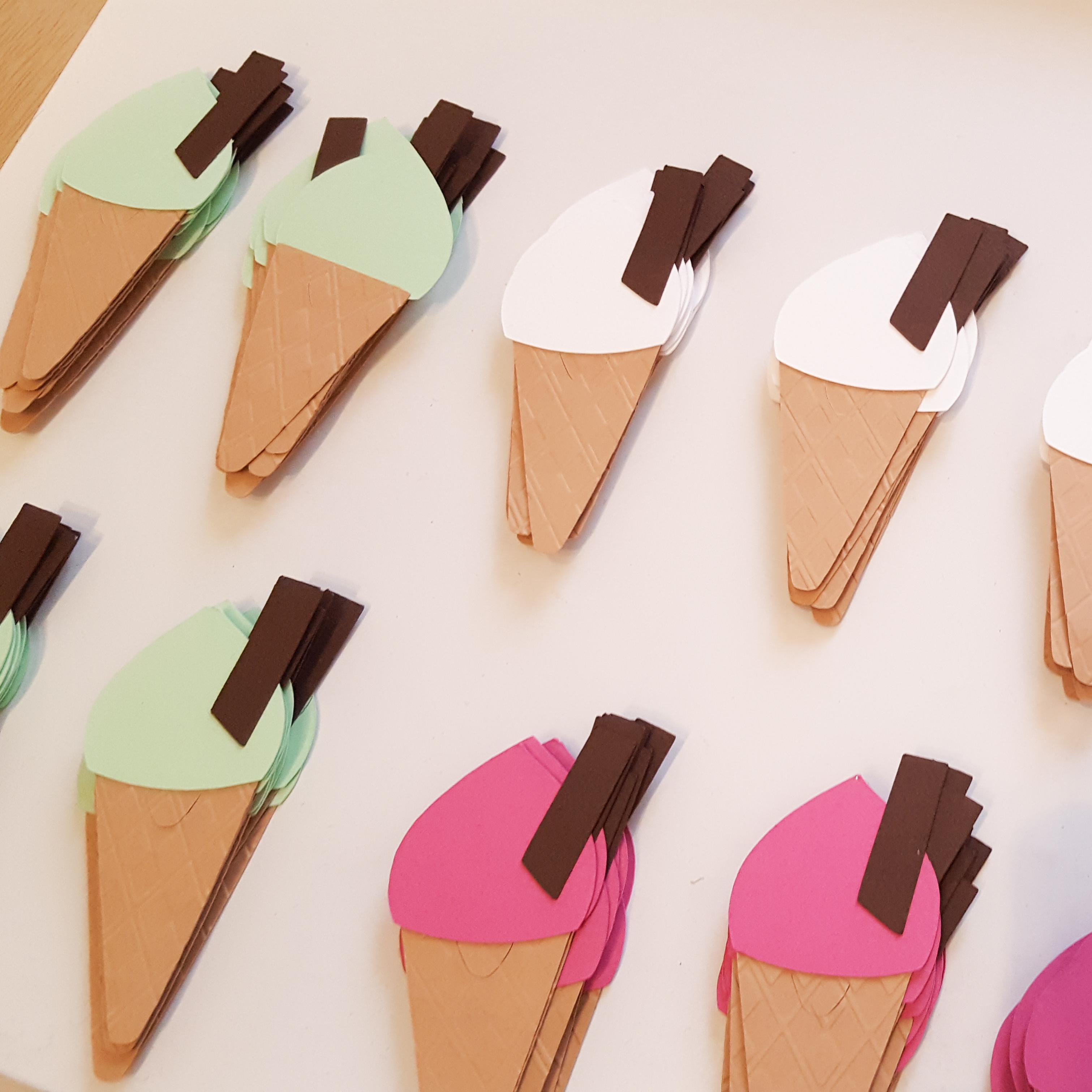 Ice cream cone wine glass place cards