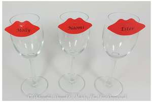 3 red lips place cards