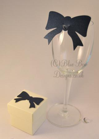 navy blue pearl wine glass place cards