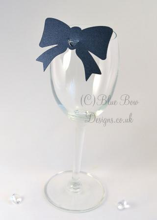 navy blue pearl wine glass place cards with tails