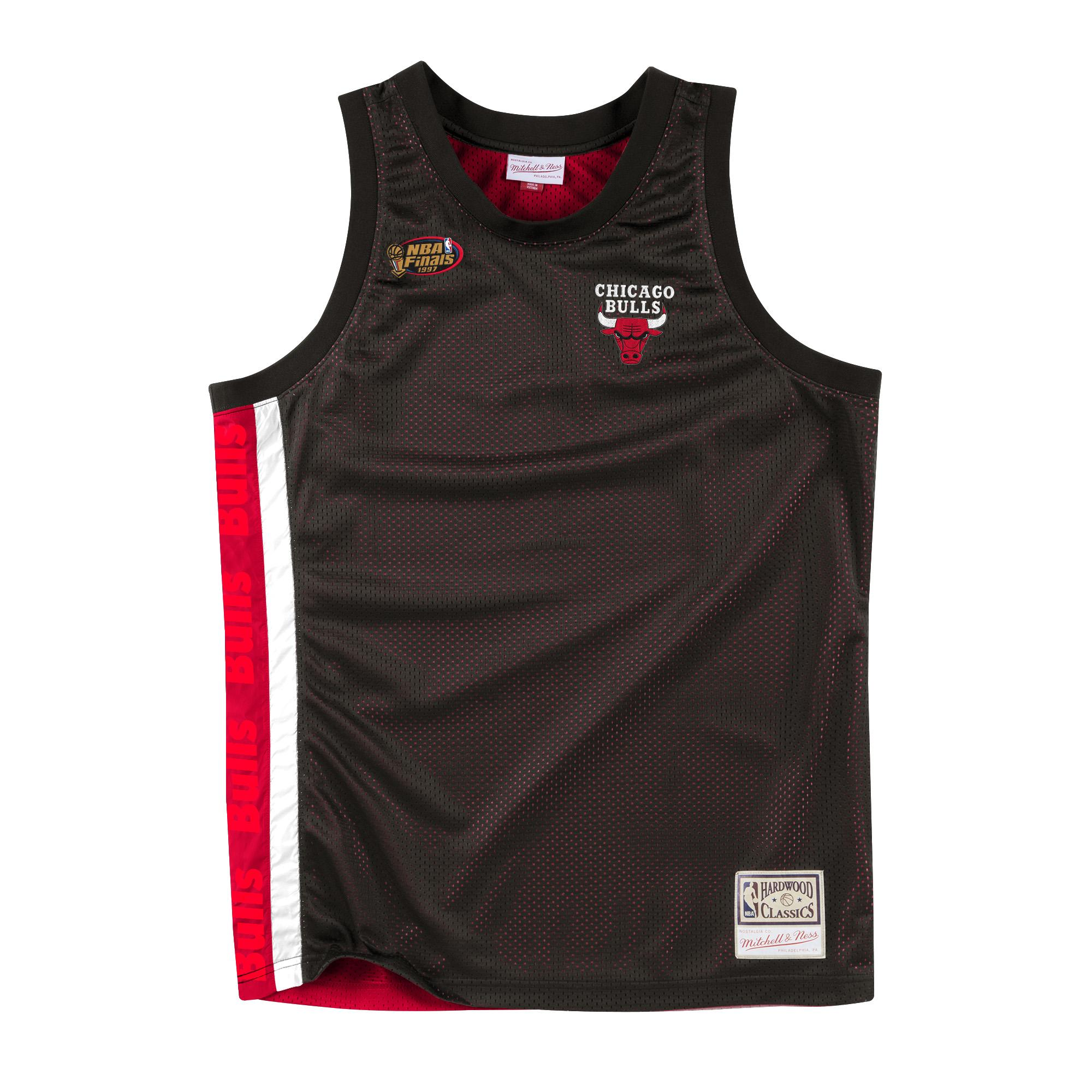 size 40 f5262 7ab3a Mitchell & Ness | Chicago Bulls Black & Red Checkered ...