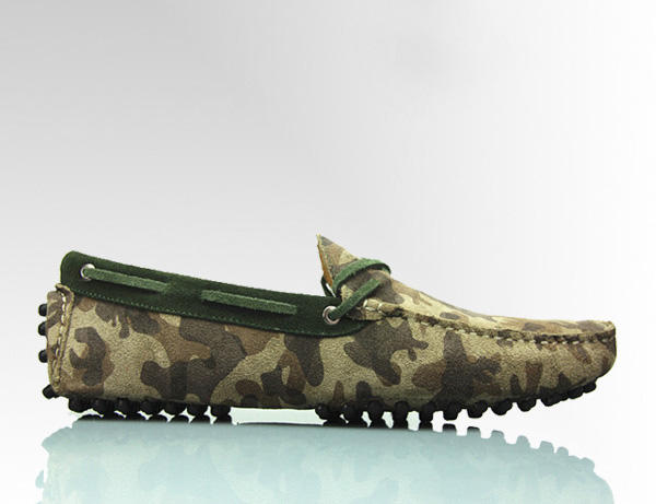 'HIS HIGHNESS HUNTERS' Mens Suede Camo Army Print Luxury Driving Moccasin Side View