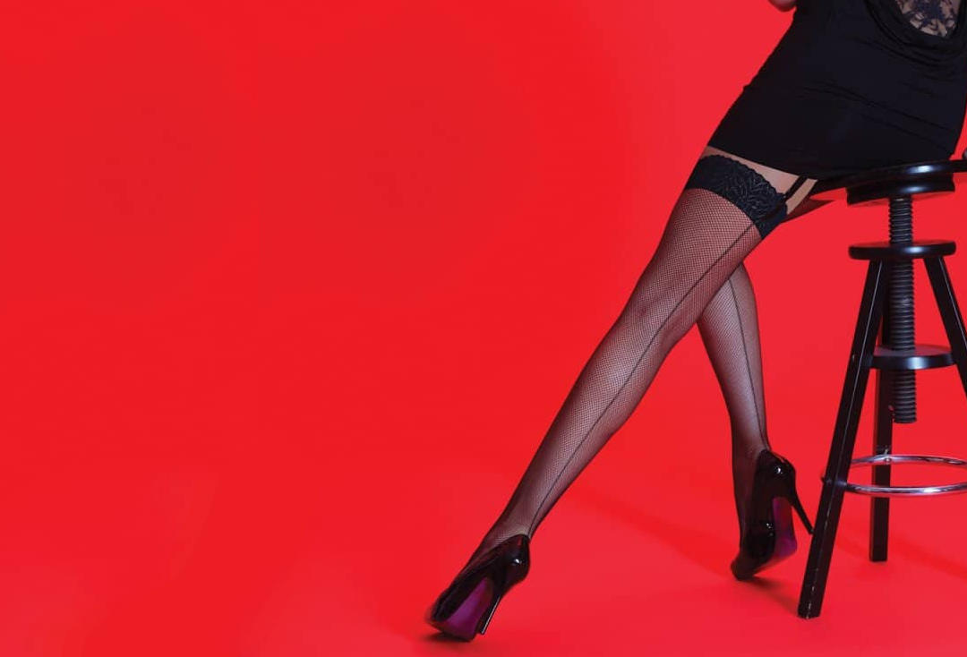 Silky | Seamed Black Fishnet Stockings