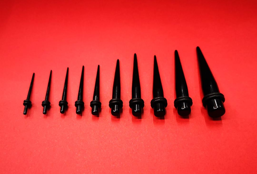 Body Jewellery | Black Acrylic Stretching Tapers - 1.6mm to 30mm
