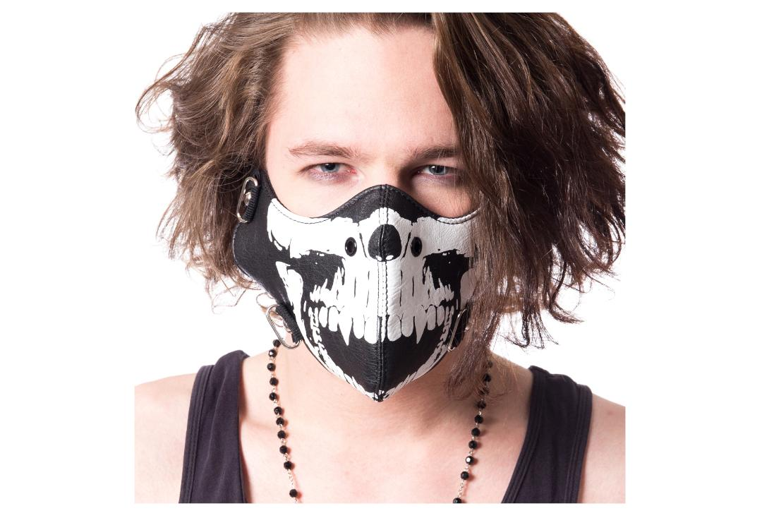 Poizen Industries | Tremor Black & White Skull Face Mask - Modelled